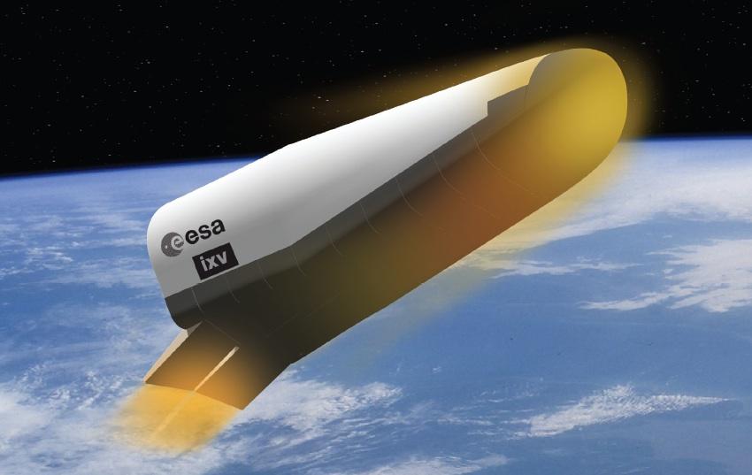 Immagine artistica di IXV al rientro in atmosfera. Credit: ESA.