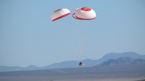 Test del sistema di paracadute del CST-100. (c) Boeing
