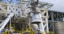 Un motore AJ26 pronto per i test presso il centro Stennis Credits: NASA