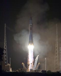 Il decollo del vettore Soyuz con il satellite Pléiades 1B (C) ESA/CNES/Arianespace