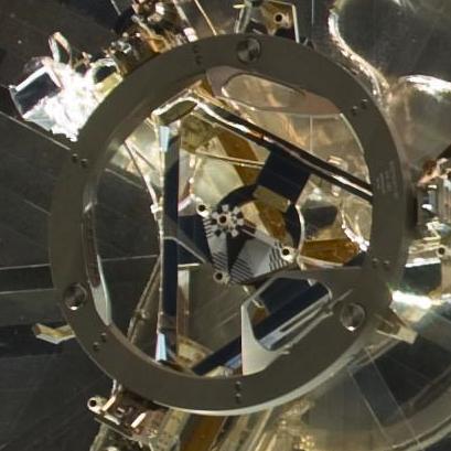 Il Soft-Capture Mechanism (SCM) aggiunto nel 2009 all' Hubble Space Telescope. L'SCM permette sia ai veicoli  manned che a quelli unmanned che impiegano il NASA Docking System (NDS) di agganciarsi ad esso.