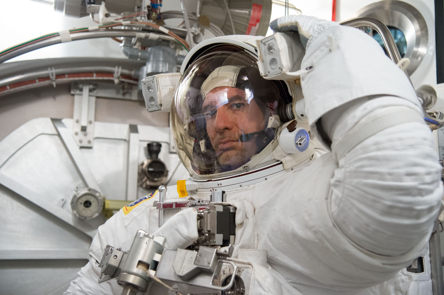 L'astronauta Luca Parmitano al Neutral Buoyancy Laboratory della NASA a Houston. Fonte: NASA