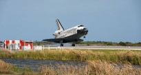 L'atterraggio di STS-133 Discovery alla Shuttle Landing Facility del Kennedy Space Center. Fonte: NASA