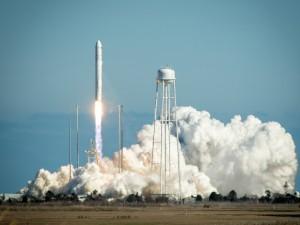 Il vettore Antares durante il lancio d'esordio. (c) NASA/Bill Ingalls