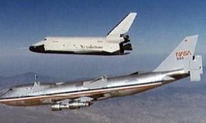 OV-101 Enterprise mentre si sgancia dall'aereo madre (Credits: NASA)