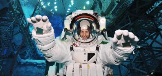 Samantha Cristoforetti nella prima sessione di addestramento al NBL. Fonte: NASA