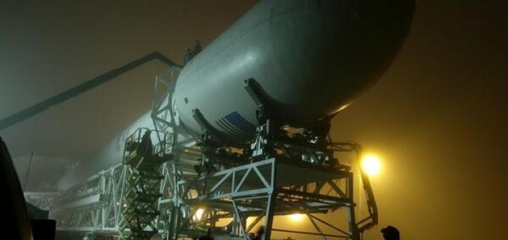 Il razzo Falcon 9-R pronto al debutto.