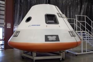 Mockup della capsula Boeing CST-100. (c) Boeing