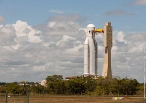 Il vettore Ariane 5 per il lancio del prossimo 06 dicembre 2013. Credit: ESA/CNES/Arianespace.