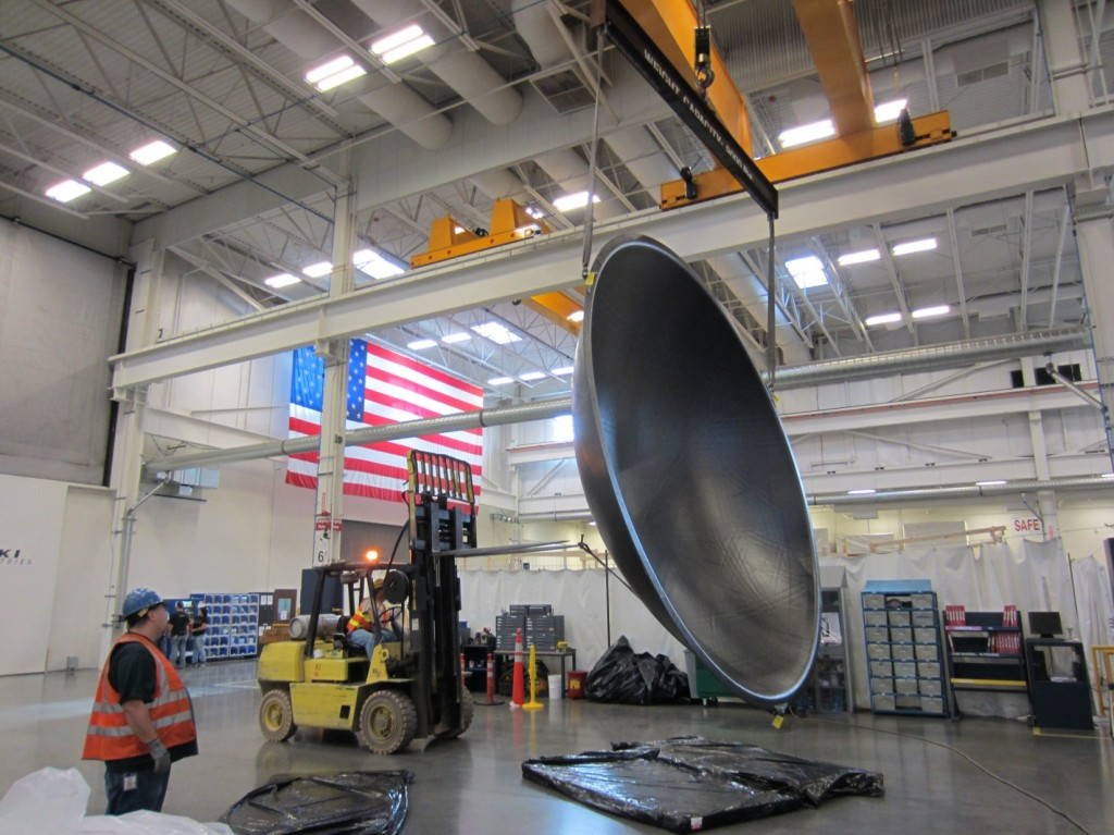 Le ultime fasi di preparazione del diaframma in composito presso le Janicki Industries. (C) Janicki Industries/NASA's Langley Research Center