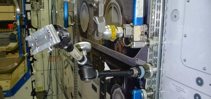 C-tracks in un mockup della ISS al JSC. Fonte: Samantha Cristoforetti