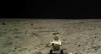 il rover Cinese Yutu fotografato dal lander Chang'e 3. Credit: SASTIND/CNSA/Xinhua
