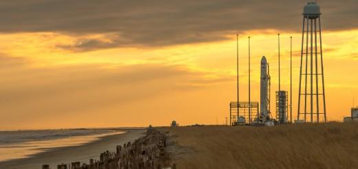 Un razzo Antares sulla rampa 0A della Wallops Flight Facility il 6 gennaio 2014 in attesa del lancio della missione Cygnus Orb CRS-1, inizialmente previsto per l'8 gennaio e poi rimandato. Fonte: NASA/Bill Ingalls