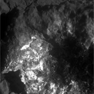 """L'interno della roccia """"Jelly Donut"""" ripreso dallo strumento Micro Imager di Opportunity. - Credit NASA/JPL"""