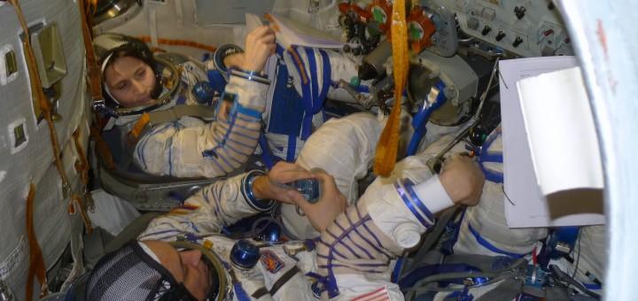Samantha Cristoforetti con l'equipaggio della Soyuz TMA-15M nel simulatore a Star City. Credit: Samantha Cristoforetti