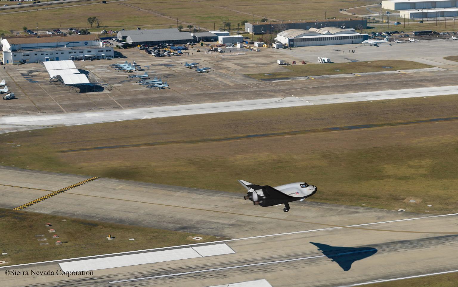 In questo concept, il Dream Chaser atterra su di una pista di Ellington Field presso Houston. (C) Sierra Nevada Corporation.