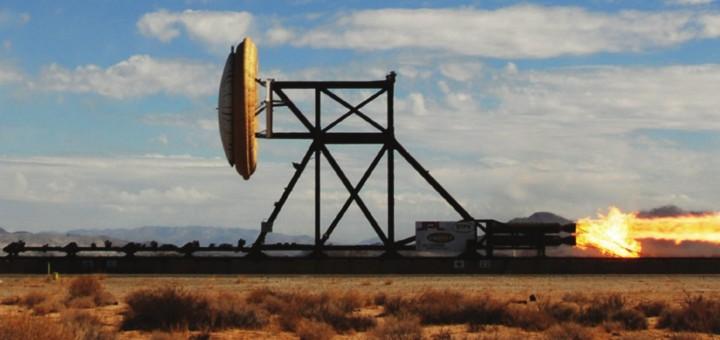 I test iniziali del sistema LDSD sono stati effettuati utilizzando slitte a razzo, in questo caso il test di SIAD-R. Credits: NASA