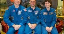 L'equipaggio di backup davanti alla Soyuz TMA-13M a Baikonur: Terry Virts, Anton Shkaplerov, Samantha Cristoforetti. Credit: Victor Zelentsov