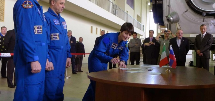 L'esame finale da backup nel segmento russo della ISS per l'equipaggio della Soyuz TMA-15M: Terry Virts, Anton Shkaplerov e Samantha Cristoforetti. Credit: Samantha Cristoforetti