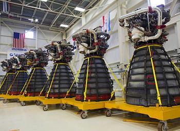 Alcuni SSME pronti per la spedizione allo Stennis Space Center. Credits: NASA