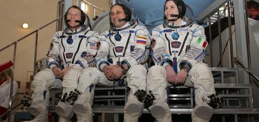 L'equipaggio della Soyuz TMA-15M si prepara all'esame finale Soyuz come backup della Soyuz TMA-13M: Terry Virts, Anton Shkaplerov e Samantha Cristoforetti. Credit: NASA