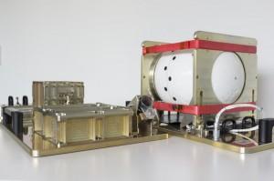 L'ATV Break up Camera. Sulla destra la capsula SatCom ed al centro le lenti del sistema di ripresa infrarosso. (C) ESA.