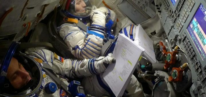 Samantha Cristoforetti e l'equipaggio della Soyuz TMA-15M nel simulatore. Credit: Samantha Cristoforetti