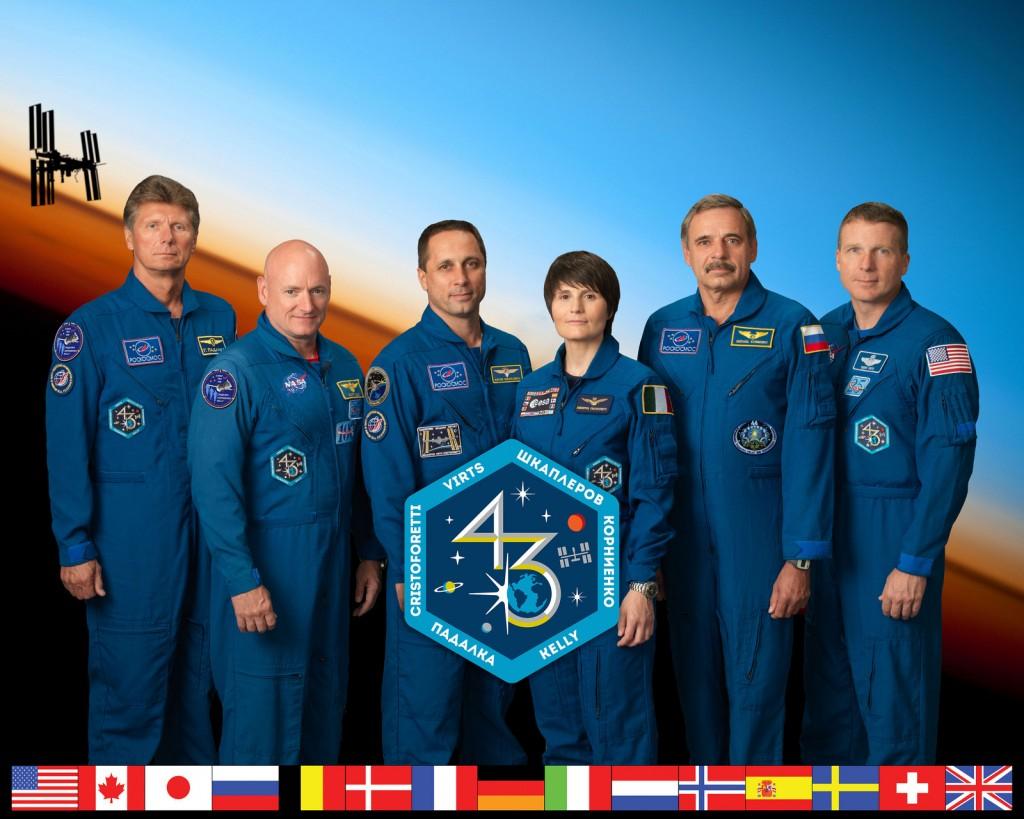 Il ritratto ufficiale NASA della Expedition 43. Credit: NASA/Bill Stafford