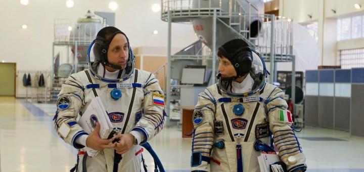 Samantha Cristoforetti e Anton Shkaplerov prima di una simulazione Soyuz. Credit: GCTC