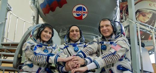 L'equipaggio della Soyuz TMA-15M prima dell'esame finale Soyuz a Star City. Credit: GCTC