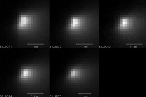 Cinque scatti della camera HIRIRE di MRO ceh riprendono il passaggio di Siding Spring. Image Credit: NASA/JPL-Caltech/University of Arizona