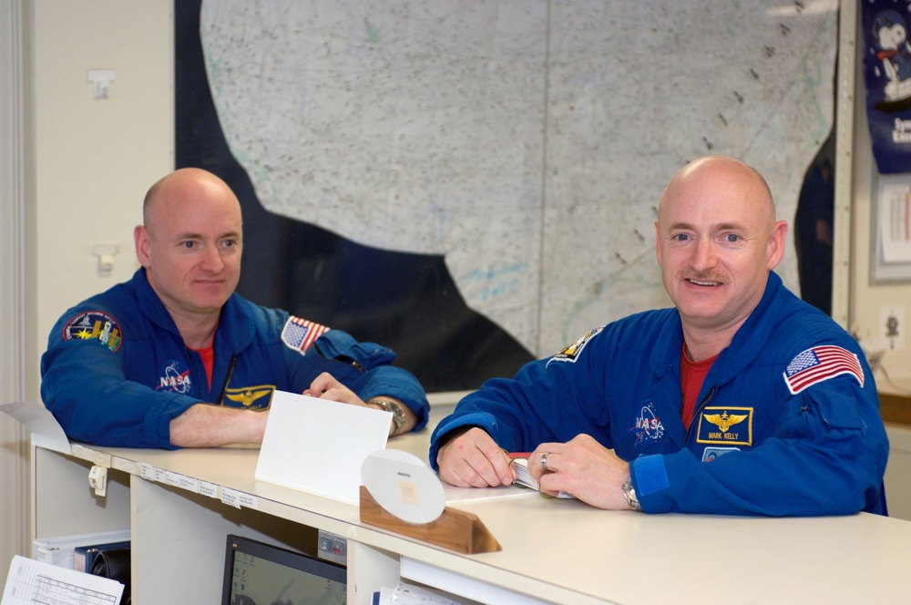kelly-twins-jsc-nasa