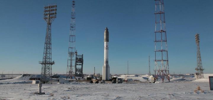 Il razzo Proton-M sulla rampa di lancio in preparazione del volo numero 400 - Credit: Roscosmos