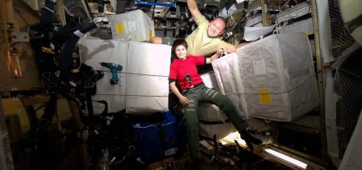 """Samantha Cristoforetti e Barry """"Butch"""" Wilmore nell'ATV-5. Credit: ESA/NASA"""