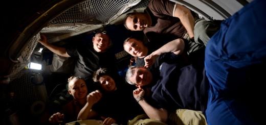 Samantha Cristoforetti e l'equipaggio della Expedition 42 all'interno di ATV-5. Credit: ESA/NASA