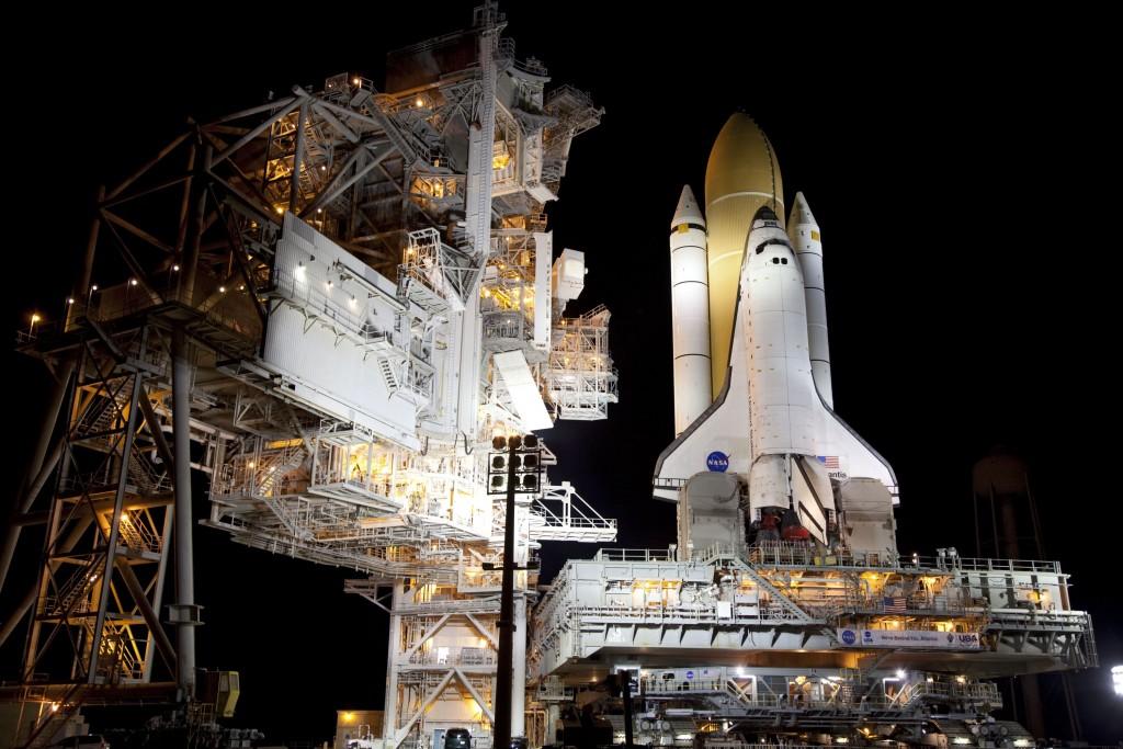 L'ultimo rollout del Crawler Transporter per la missione STS 135. Credit: NASA