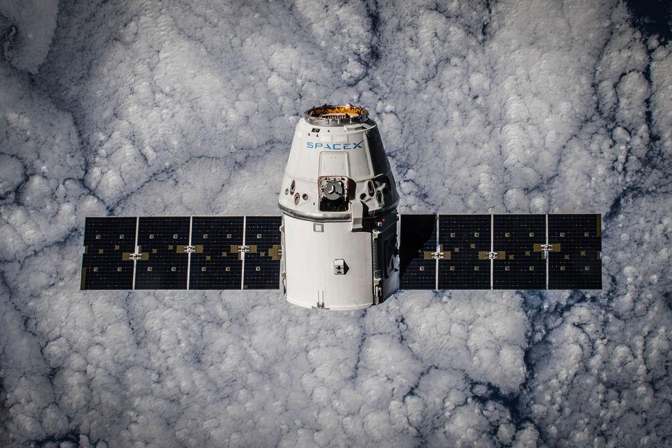 La Dragon CRS-5 che è rimasta attraccata alla ISS  fra gennaio e febbraio di quest'anno. Credit: SpaceX