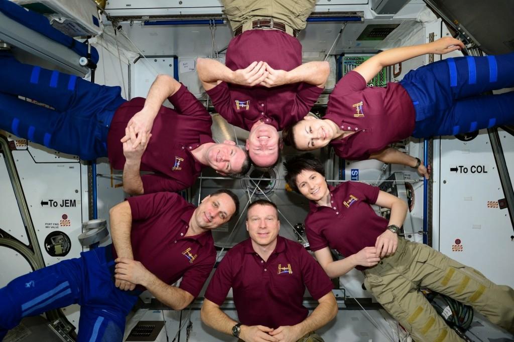 Foto di gruppo dell'equipaggio della Expedition 42. Credit: ESA/NASA