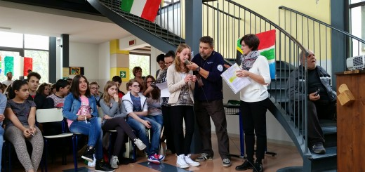 Gli studenti della Scuola Secondaria di I grado di Caprino Bergamasco (BG) durante il contatto ARISS con Samantha Cristoforetti. Credit: Luca Frigerio
