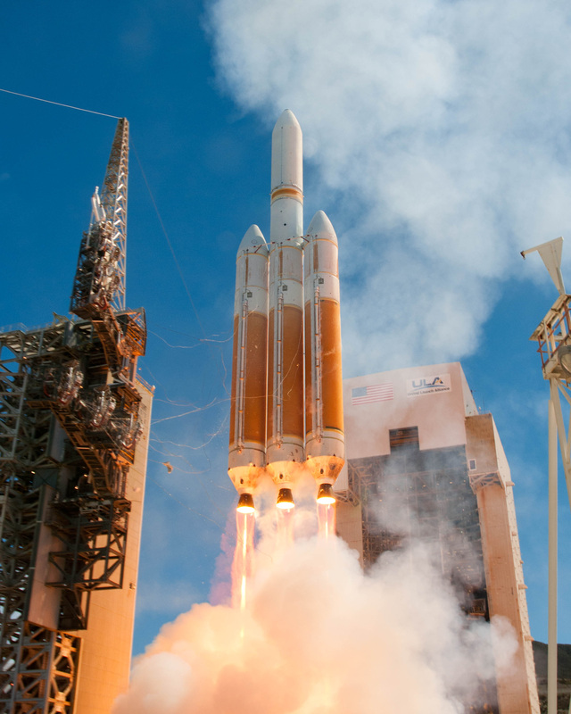 Il lancio dell'ultimo satellite della serie KH-11, USA-245 o NROL-65, avvenuto il 28 agosto 2013 dallo SLC-6 di Vandenberg. Credit: ULA