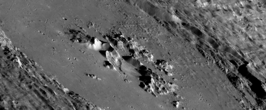 PIA19423-Mercury-AbedinCrater-20150416