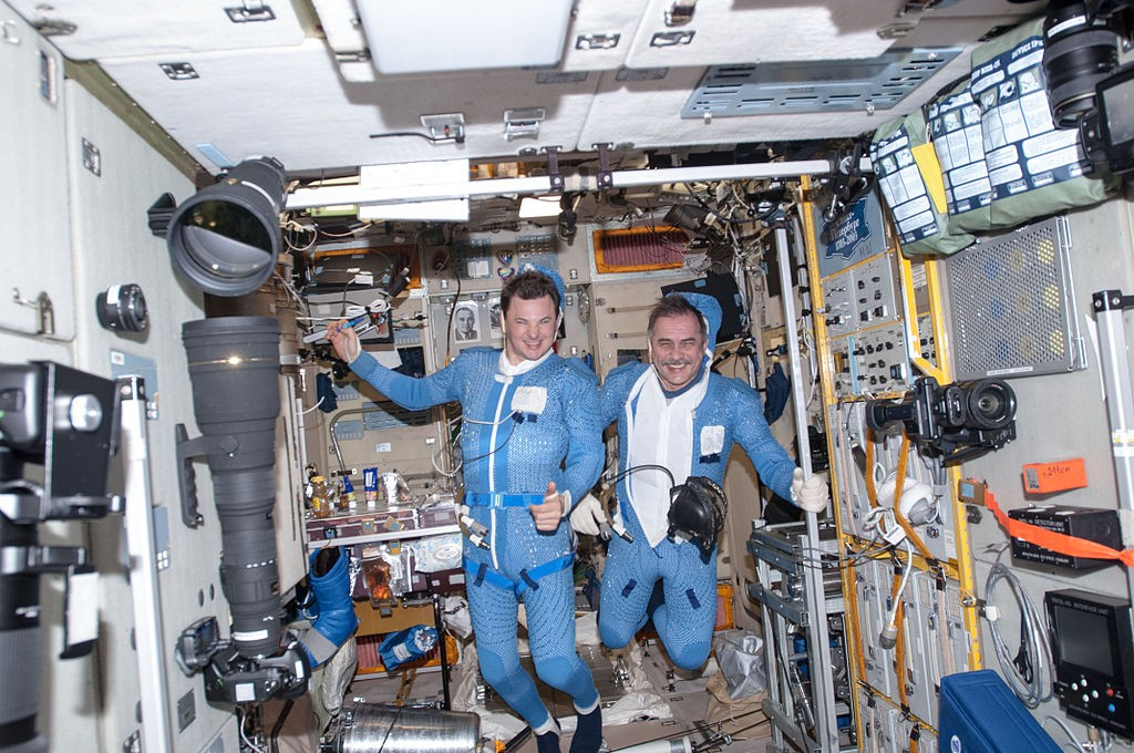 1024px-ISS-35_Roman_Romanenko_and_Pavel_Vinogradov_prior_to_the_space_walk