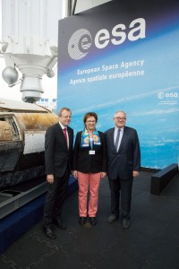 Johann-Dietrich Woerner, Brigitte Zypries and Jean-Jacques Dordain. Credits: ESA
