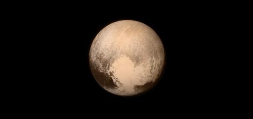 L'ultima immagine di Plutone trasmessa da New Horizons prima del massimo avvicinamento. Credit: NASA