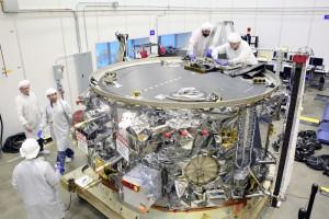 Il modulo di servizio ripreso presso il quartier generale di Orbital ATK a Dulles in Virginia prima della sua spedizione. Credit: Orbital ATK