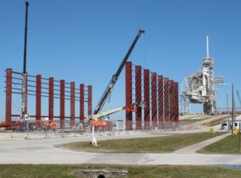 Lo scheletro dell'HIF di SpaceX presso il pad 39A del KSC. Credits: SpaceX
