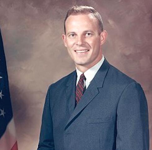 Jack R. Lousma nel 1966. Credit: NASA
