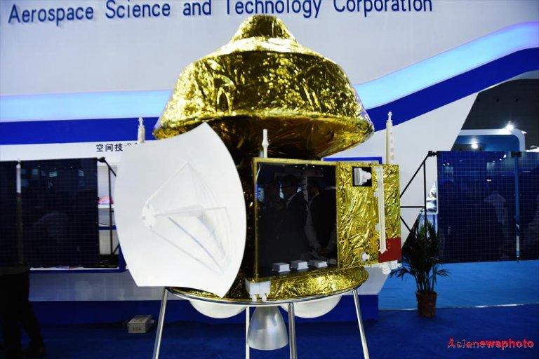 Il modello della nuova sonda che la Cina invierà su Marte nel 2020. (C) Long Wei, Asia News Photo.