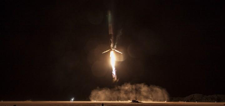 Atterraggio in verticale del primo stadio di Falcon 9. Credit: SpaceX