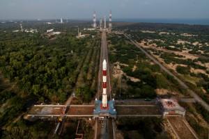 Trasporto del PSLV C31 alla piattaforma di Lancio. Credit: ISRO